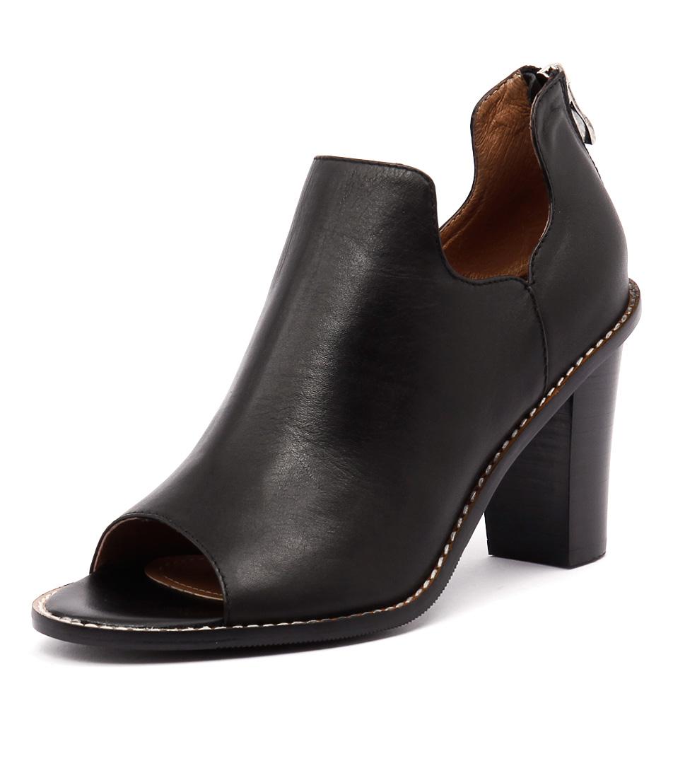 Alias Mae Ergo Black Boots