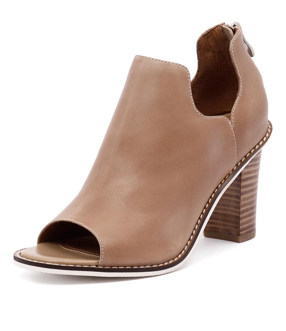 Alias Mae Ergo Natural Boots