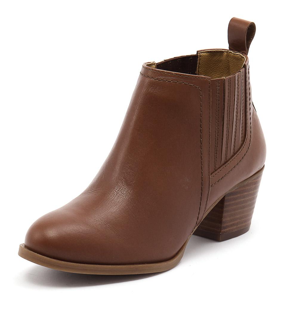 Bonbons August Tan Boots