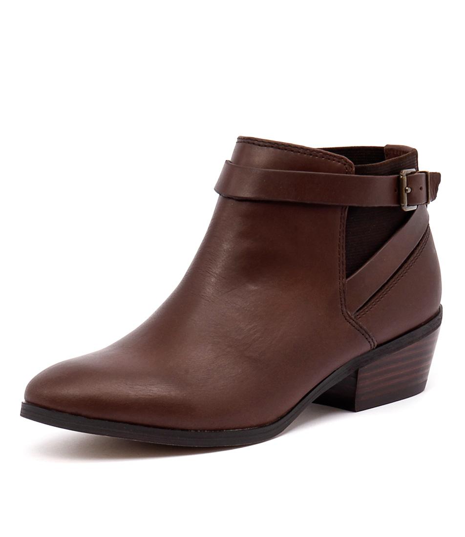 Diana Ferrari Gavel Brown Waxy Boots