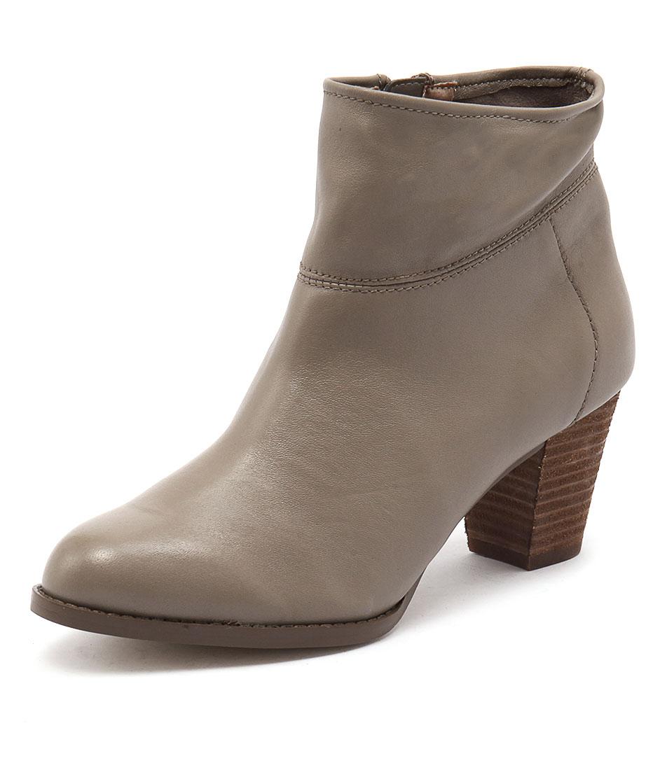 Diana Ferrari Loredo Taupe Boots