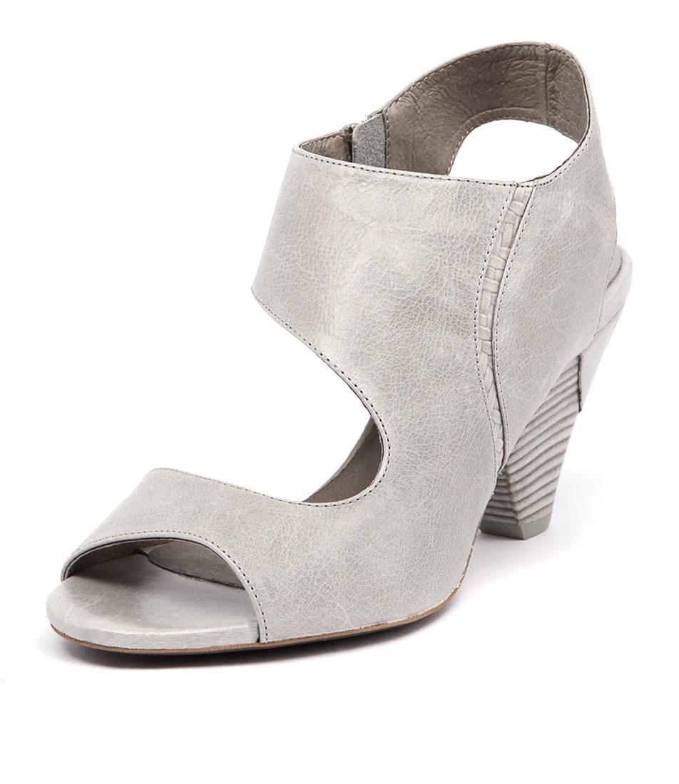 Django & Juliette Xara Misty Sandals