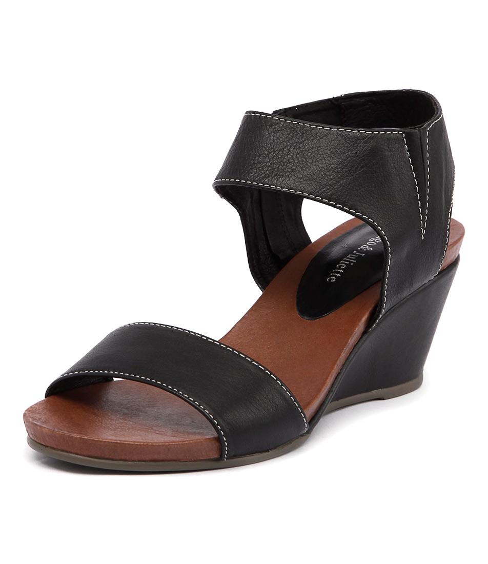 Django & Juliette Upsend Black Sandals