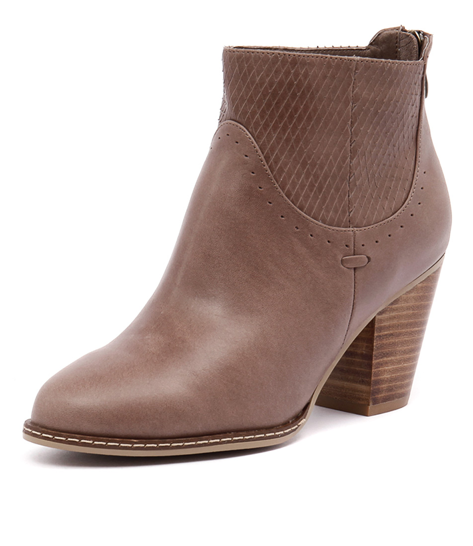 Django & Juliette Cast Mocca Leather-Mocca Cut Boots