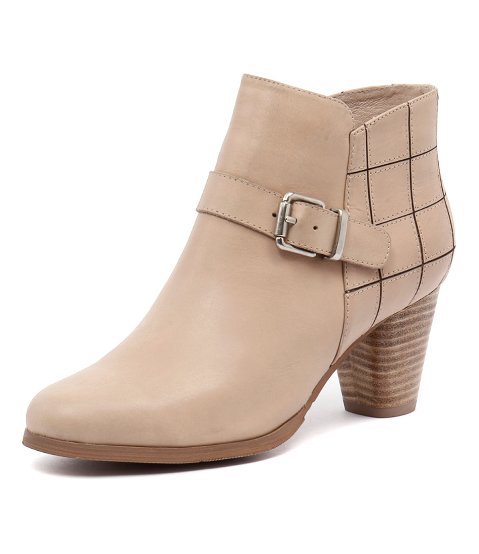 Django & Juliette Kiosk Beige Boots