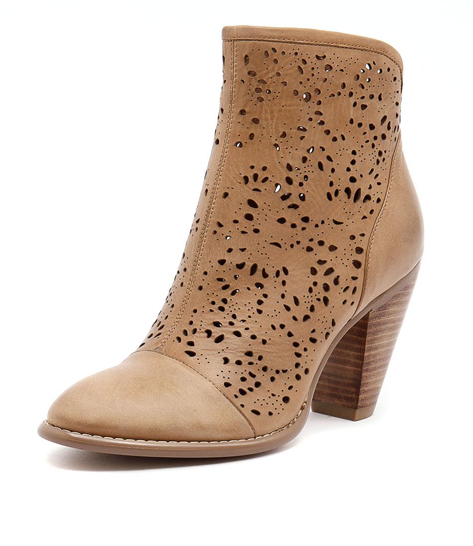 Django & Juliette Vizzy Tan Boots online