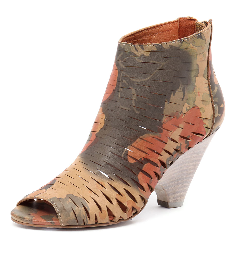 Django & Juliette Bacio Camel Multi Leather Boots online