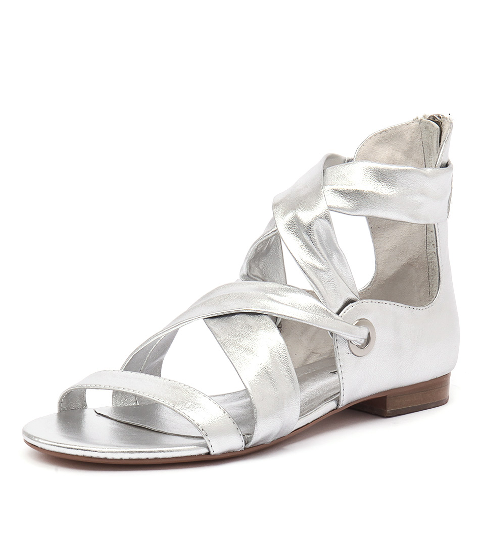 Django & Juliette Pish Silver Leather Sandals