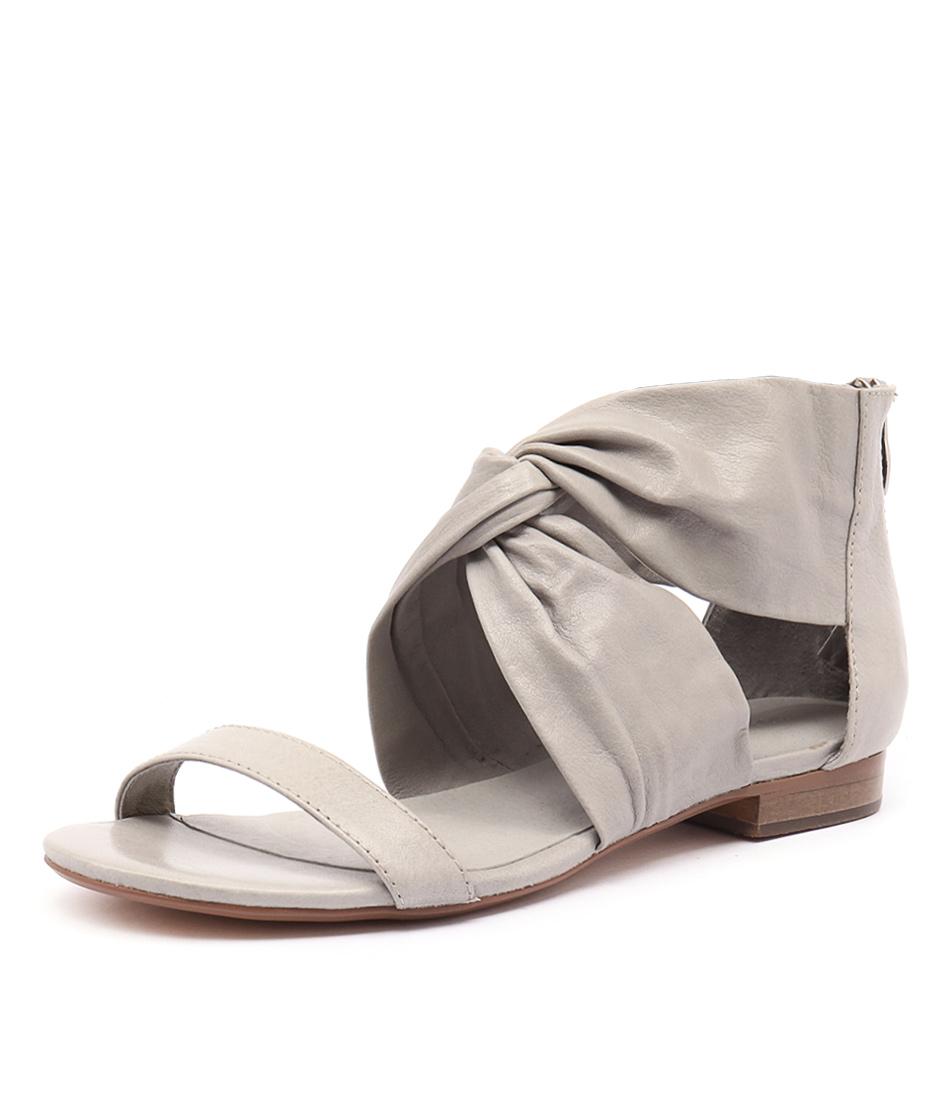 Django & Juliette Pakiny Misty Leather Sandals