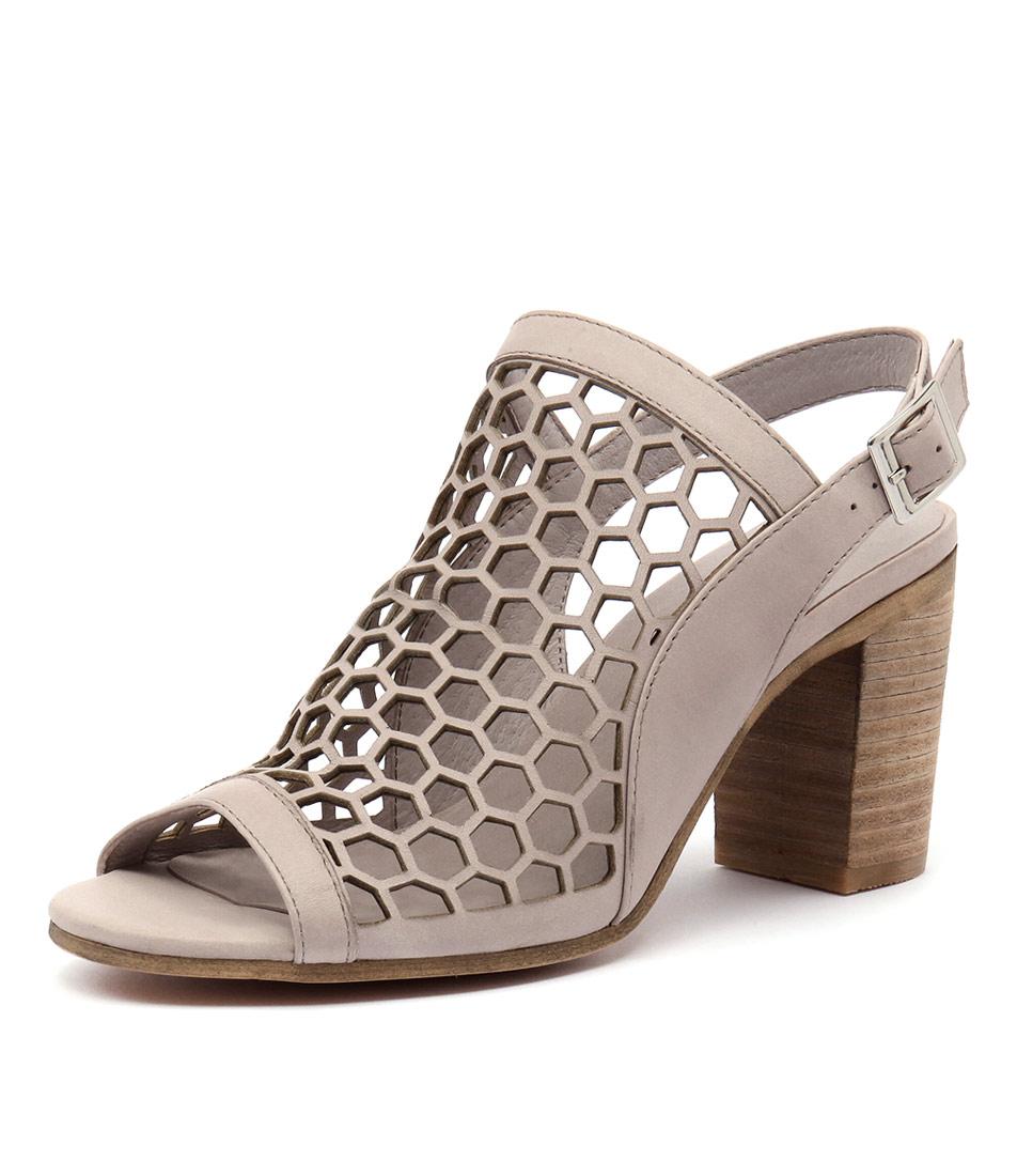 Django & Juliette Vikki Nougat Leather Sandals