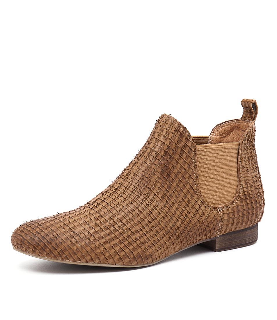 Django & Juliette Glenvalia Tan Cut Boots