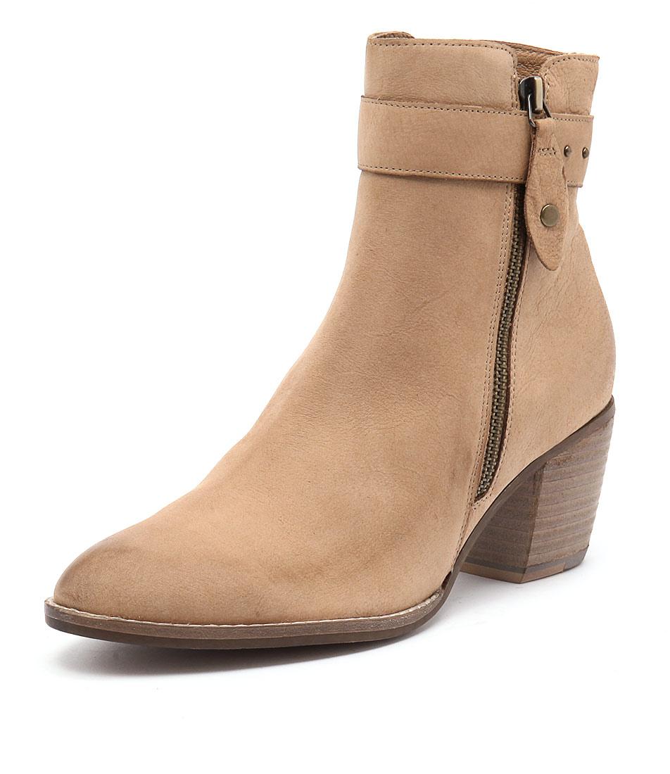 Django & Juliette Bellon Tan Boots online