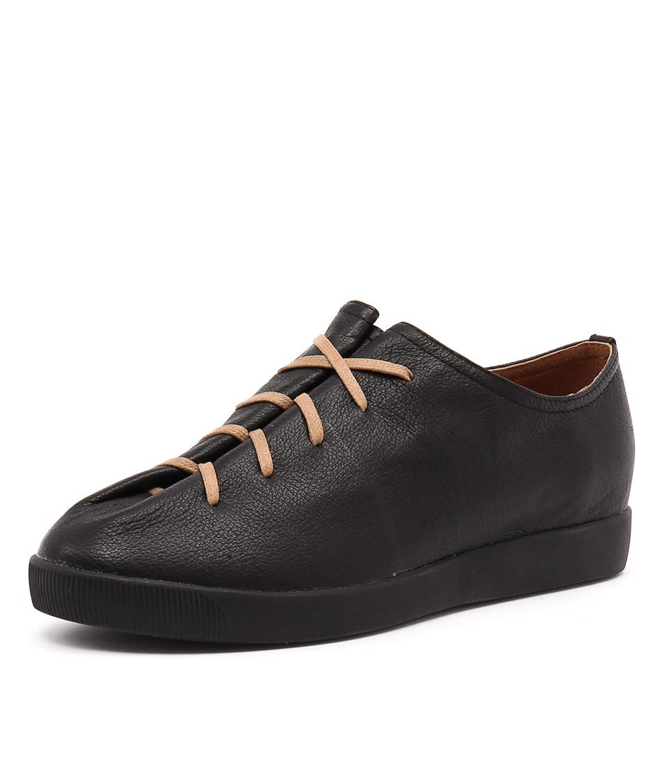Django & Juliette Gangly Black Shoes
