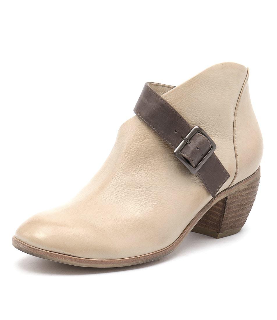 Django & Juliette Moose Latte Taupe Boots