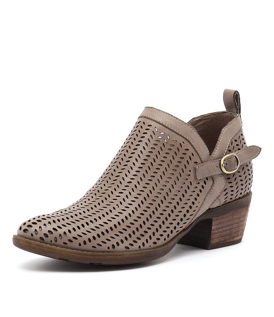 Django & Juliette Sulk Taupe Boots