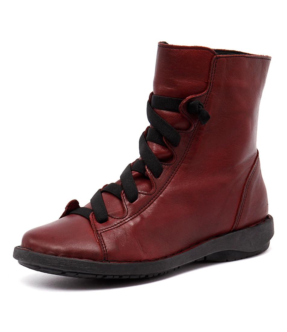 Effegie Subai Red Boots