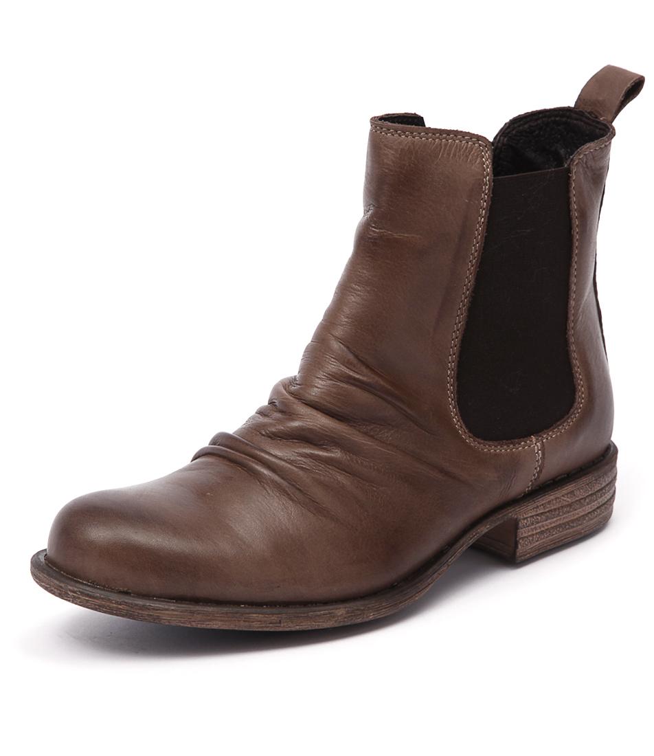 EOS Willo Mud Boots