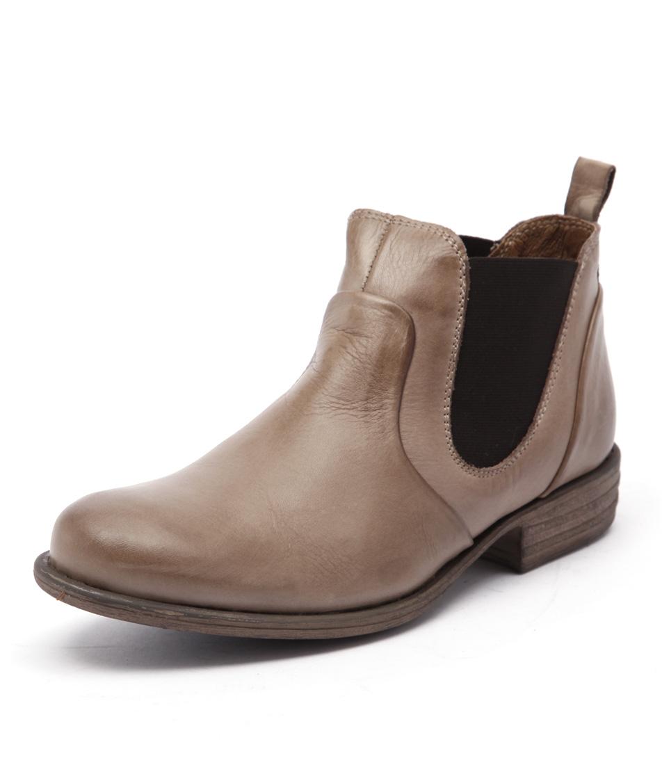 EOS Will Beige Boots