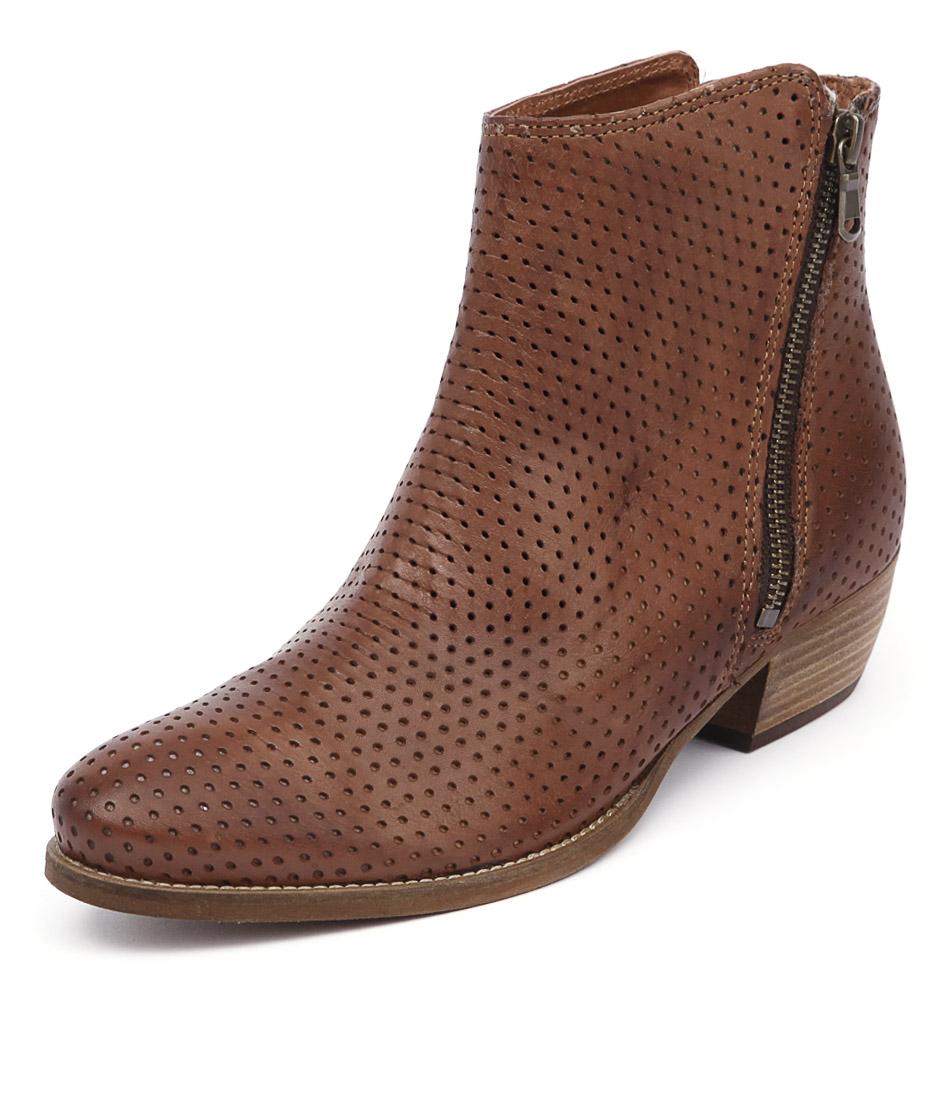 EOS Erin Brandy Boots online