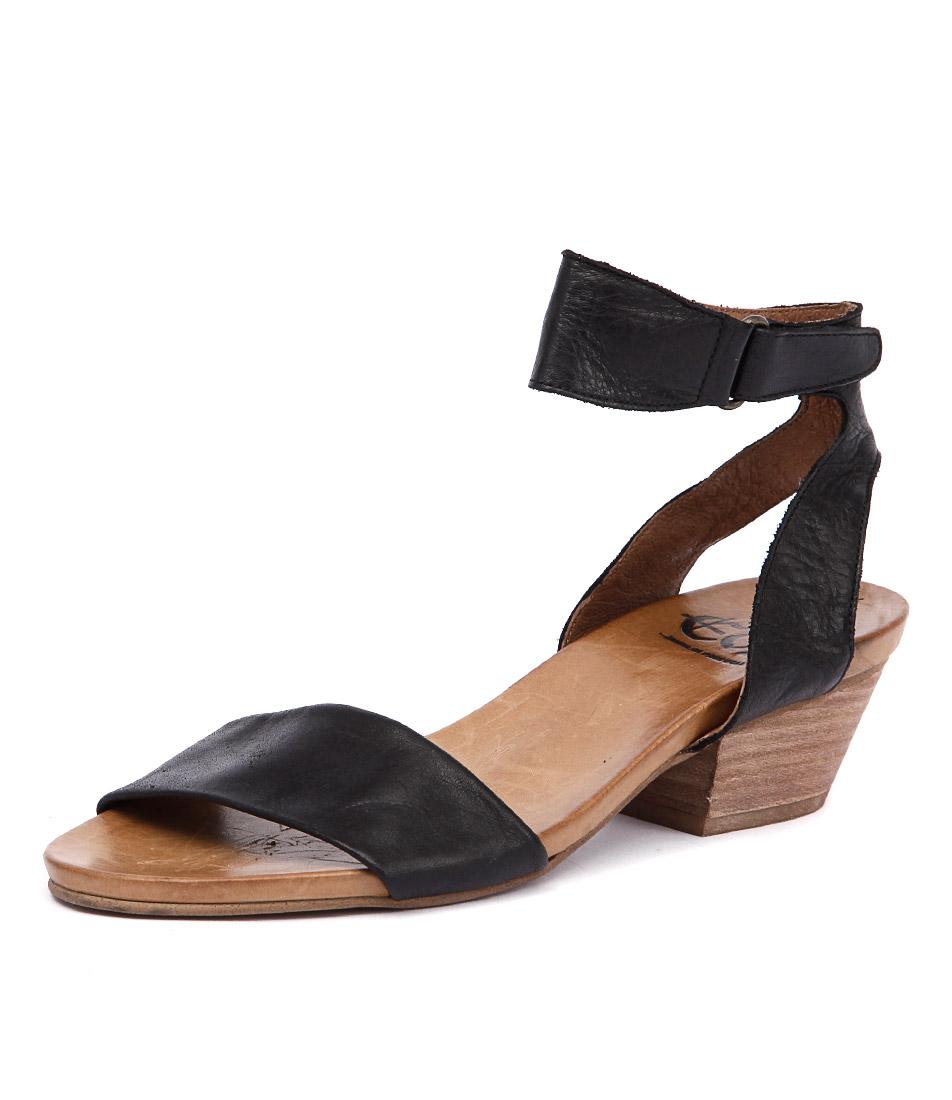 EOS Cubo Black Sandals