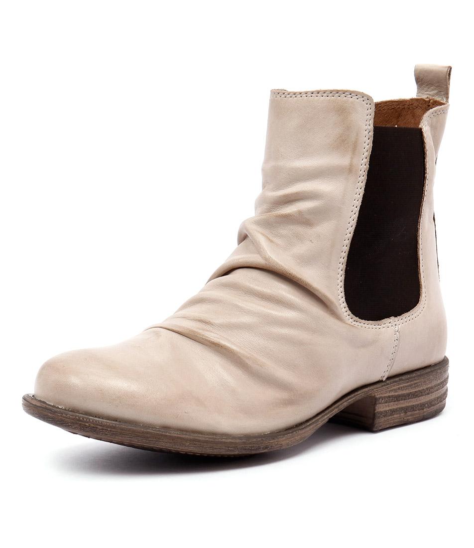 EOS Willo Beige Boots