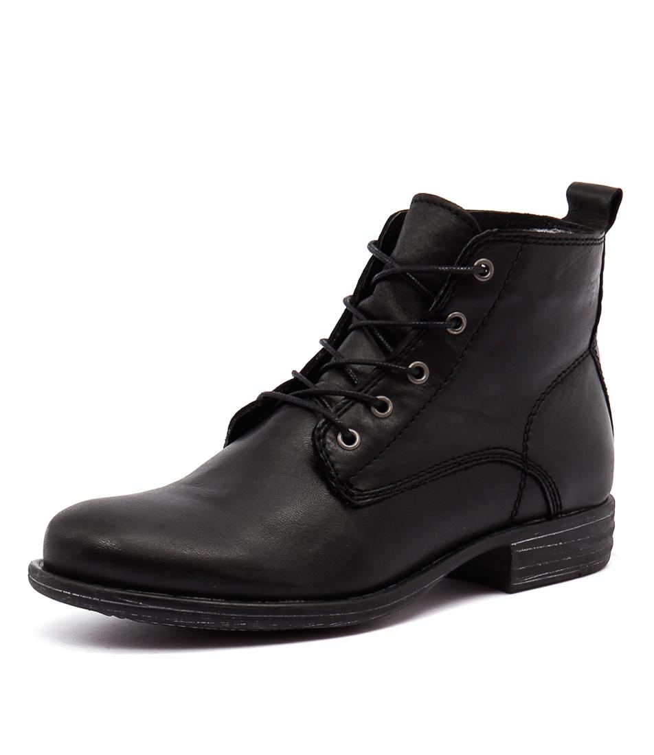 EOS Wilos Black Boots