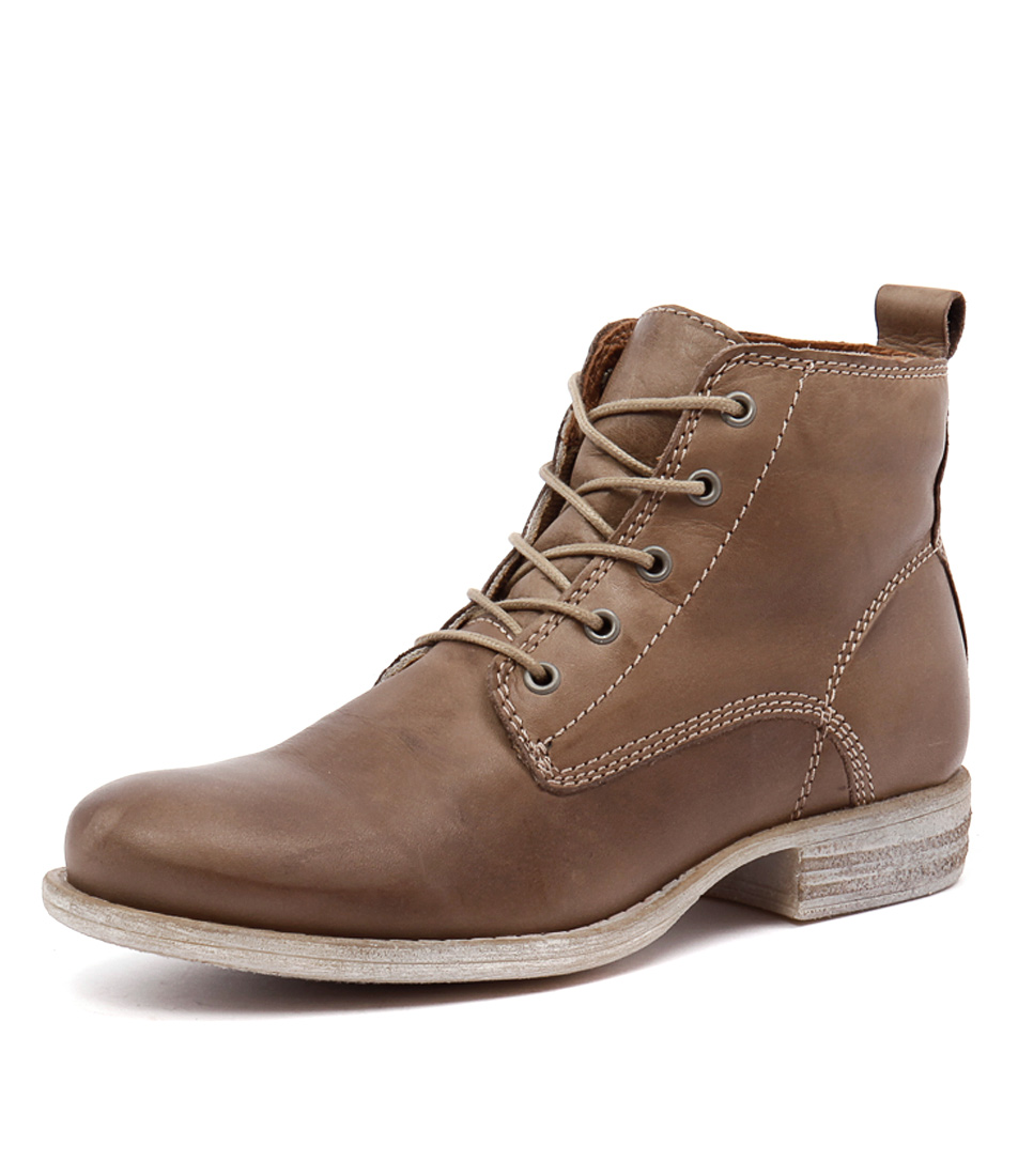 EOS Wilos Taupe Boots