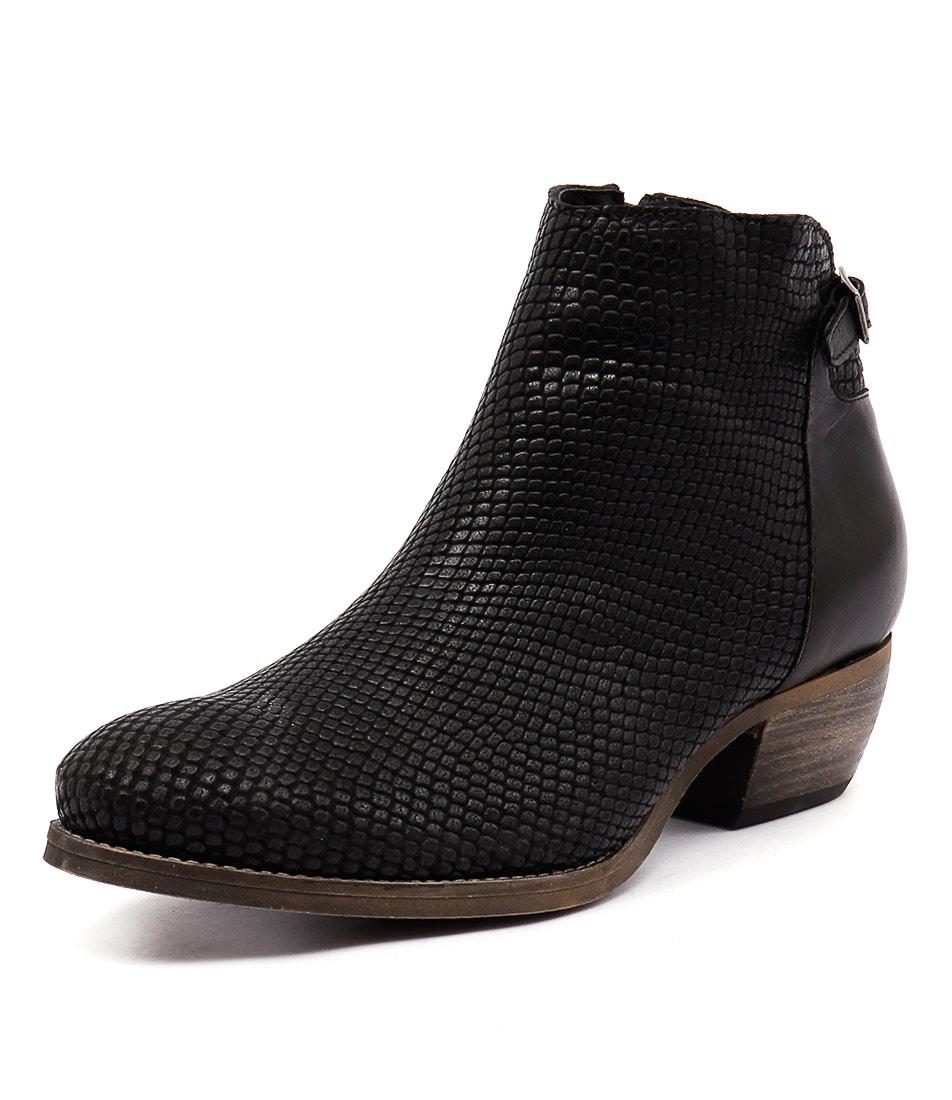EOS Erisa Black Boots online