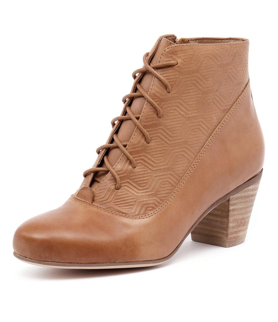 Gamins Hamlin Tan-Tan Embossed Boots
