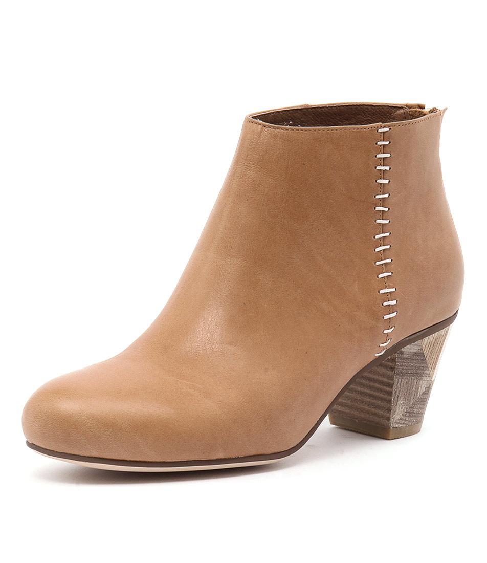 Gamins Falls Tan Boots online