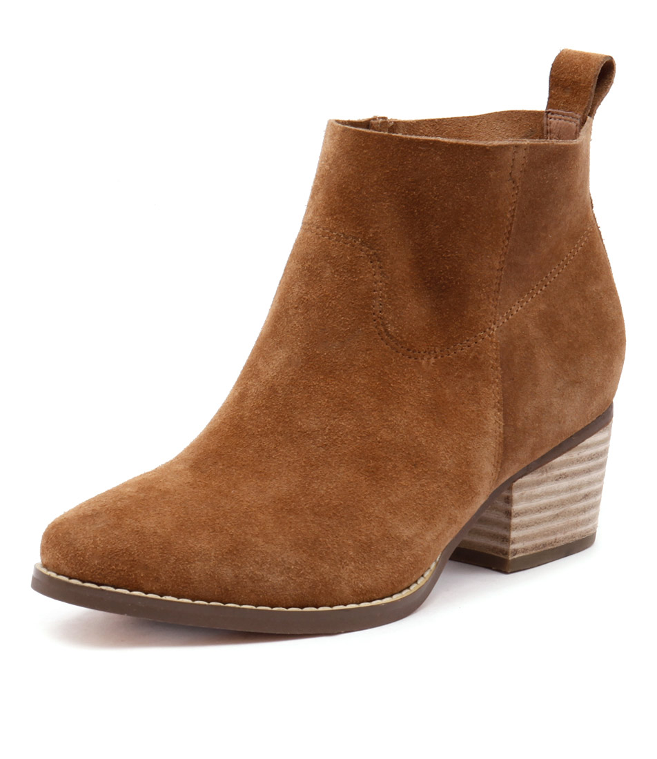 I Love Billy Lasey Tan Suede Boots