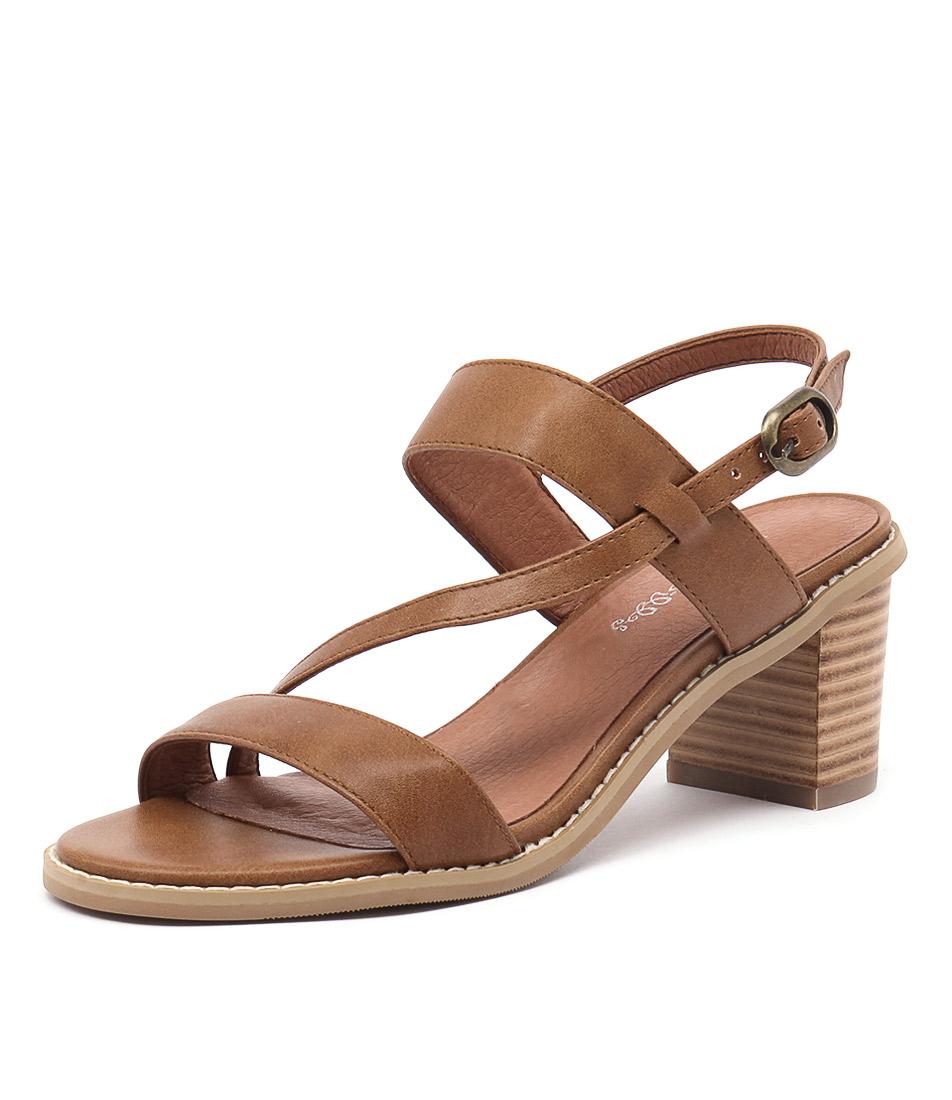 I Love Billy Quippie Tan Sandals