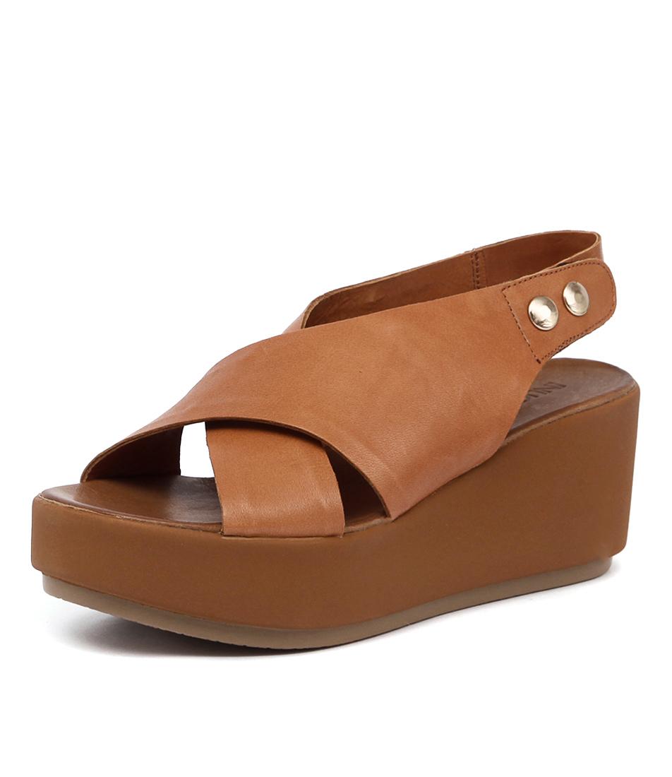 Inuovo Las Lajas Coconut Sandals