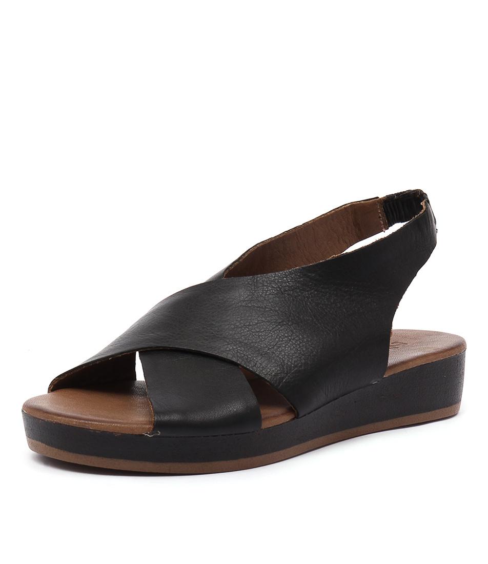Inuovo Baci Black Sandals