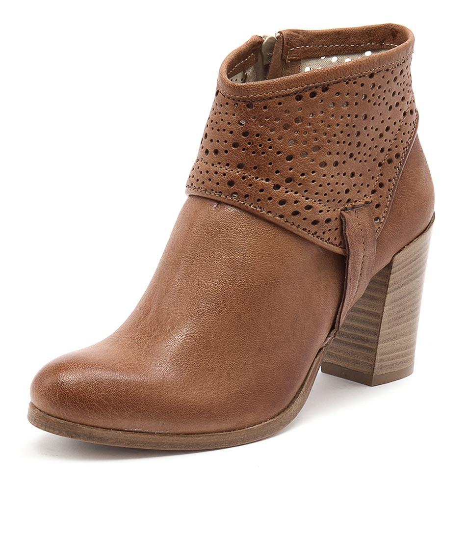 Maria Rossi Savino Tan Boots