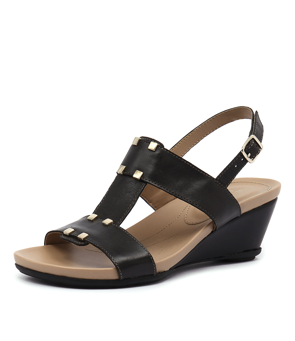 Naturalizer Spring Black Sandals
