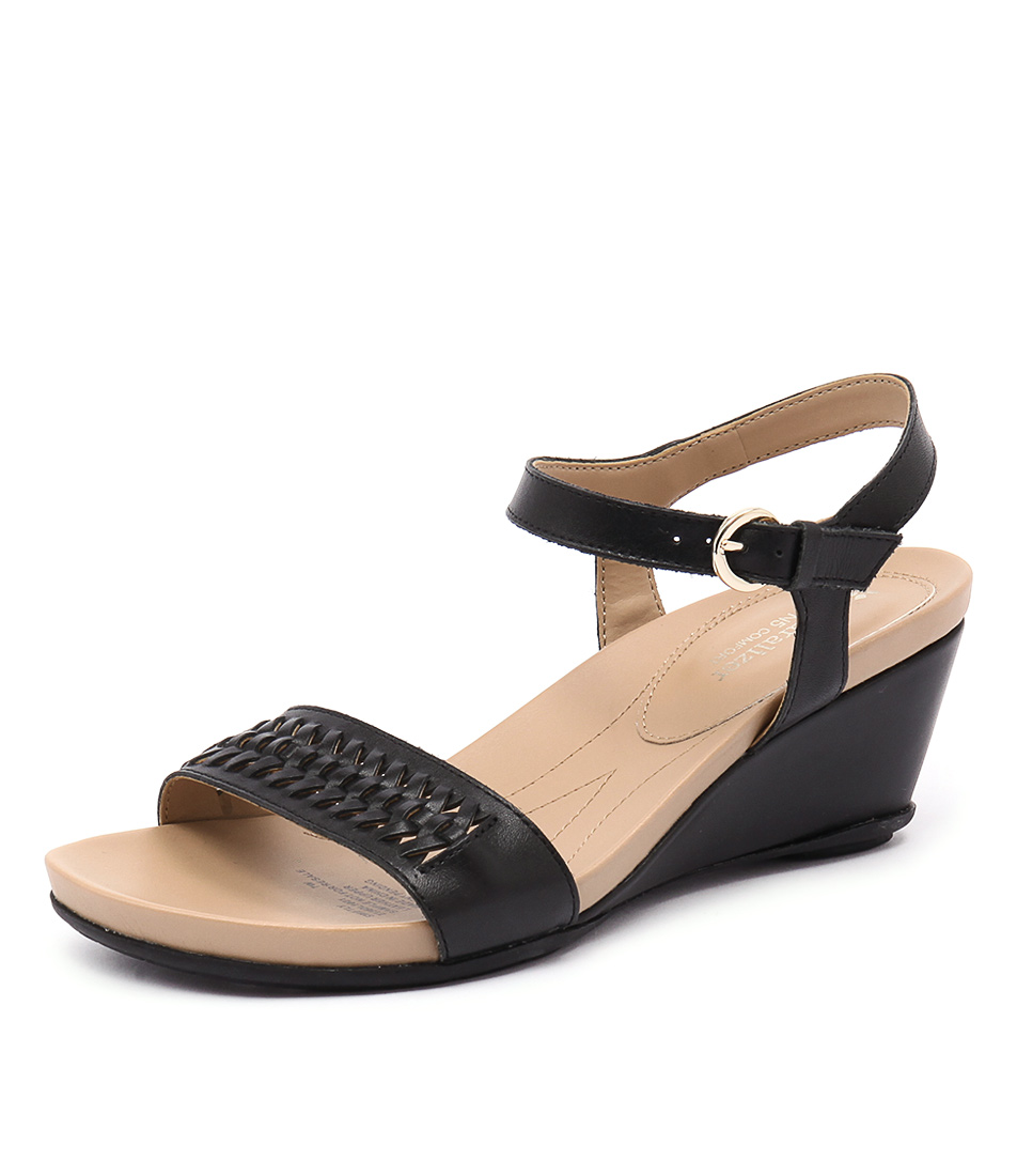Naturalizer Swiftly Black Sandals