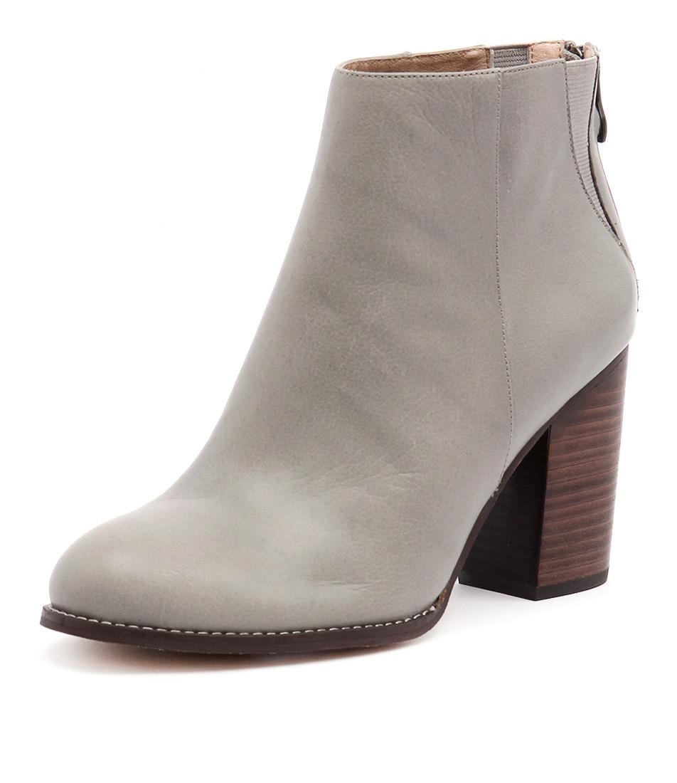 Nude Grand Dove Boots