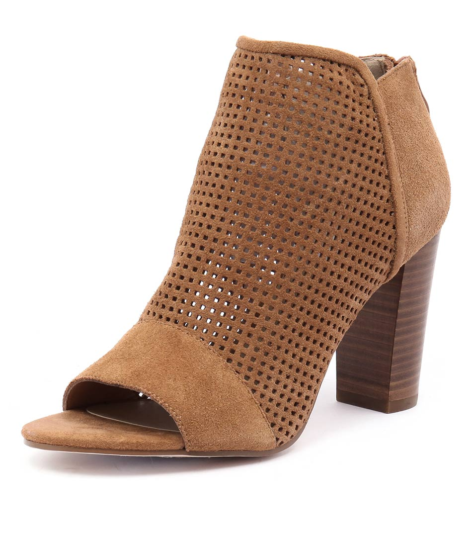 Nude Change Tan Boots