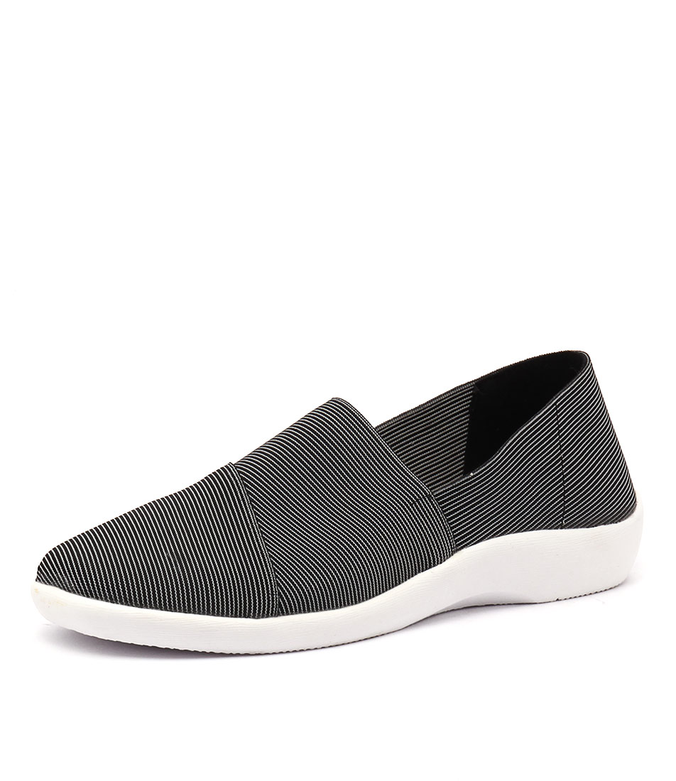 Planet Vina Black Shoes