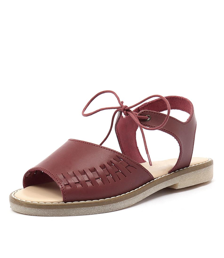 Planet Gisela Plum Sandals online