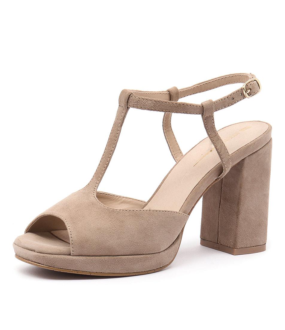 RMK Beth Flesh Sandals