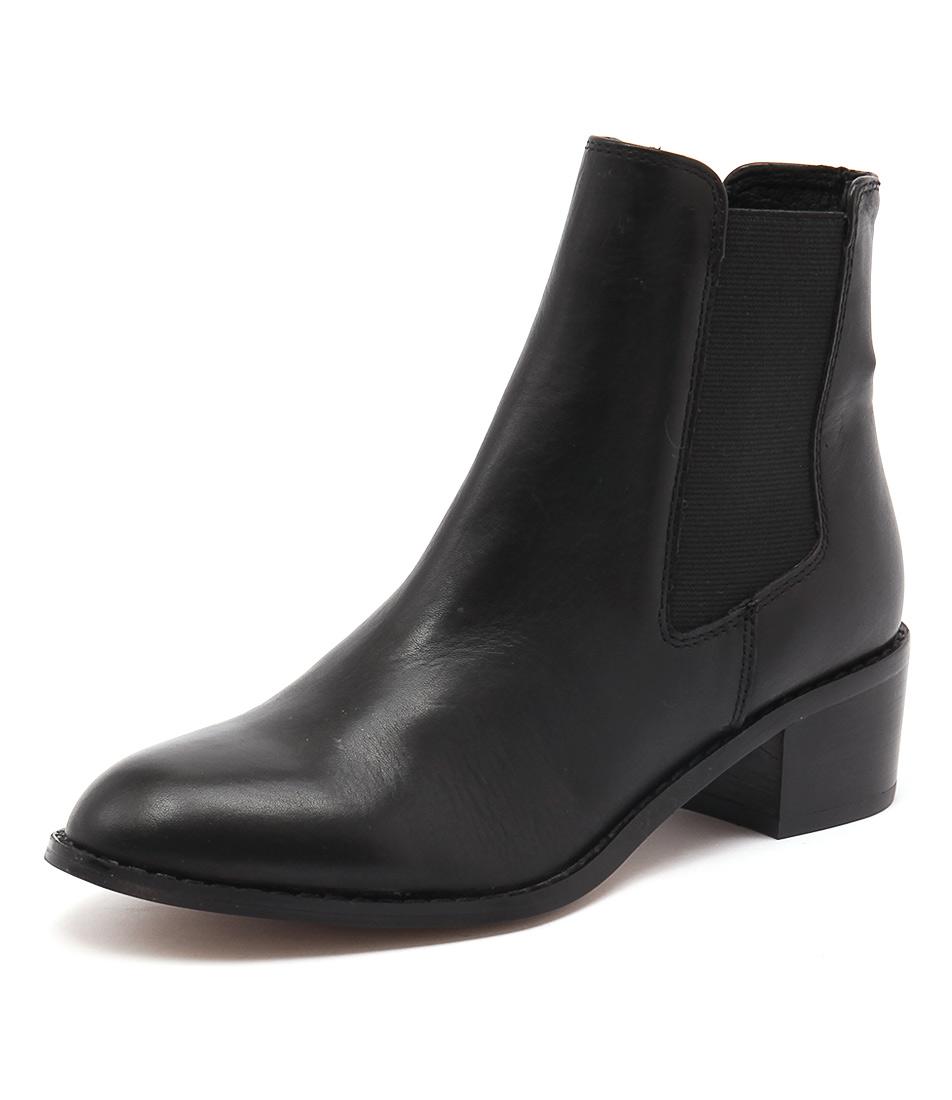 RMK Neo Black Boots