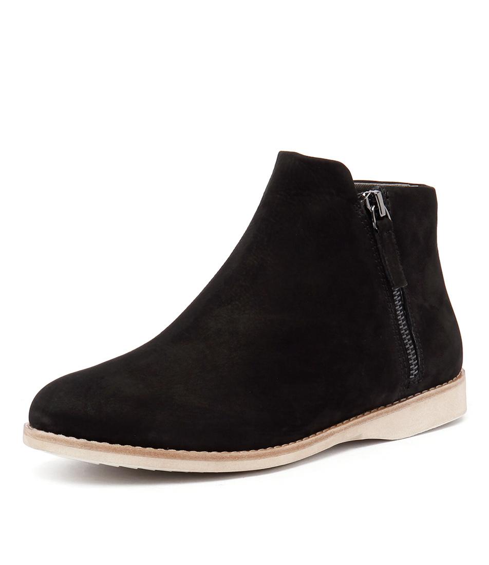 Rollie Sidezip Bootie Black Nubuck Boots