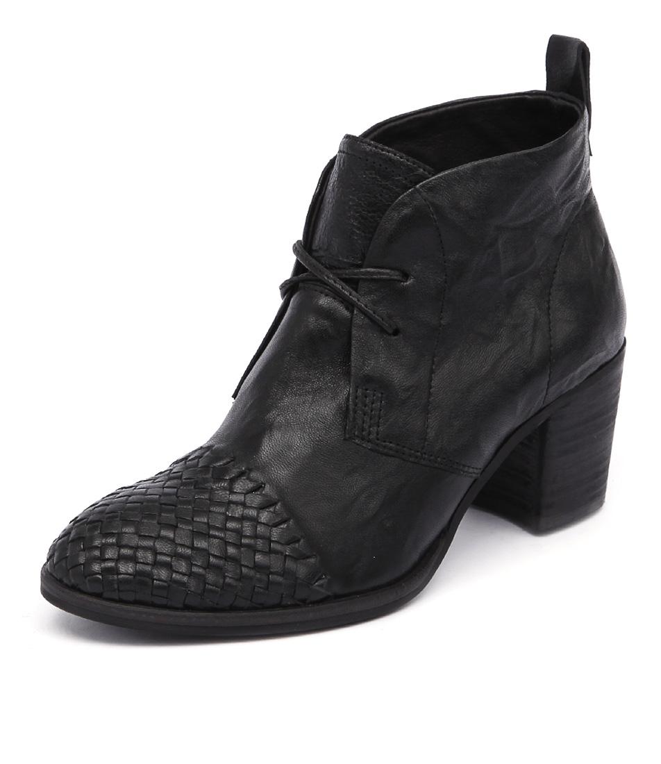 Silent D Waldo Black Shrunken Boots