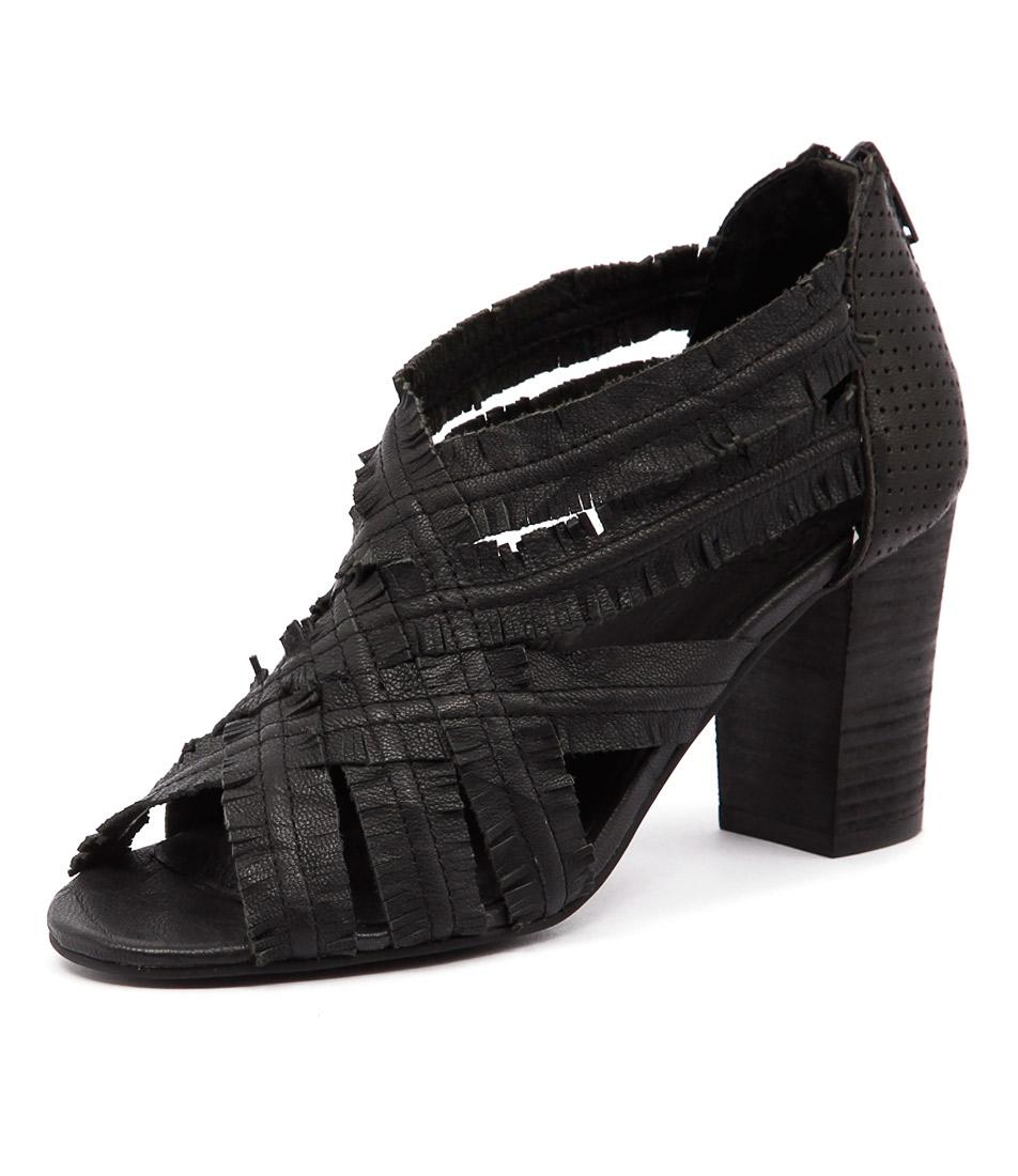 Silent D Feud Black Sandals