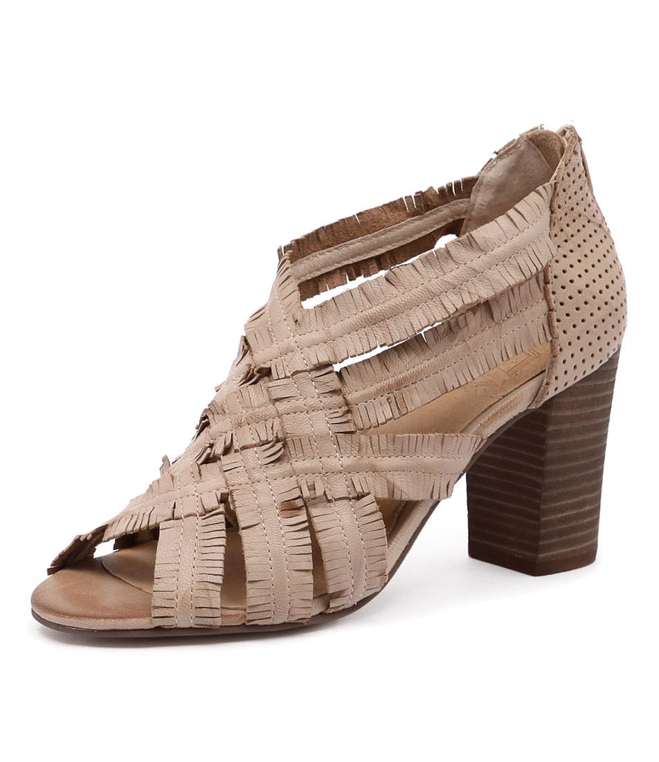 Silent D Feud Beige Sandals