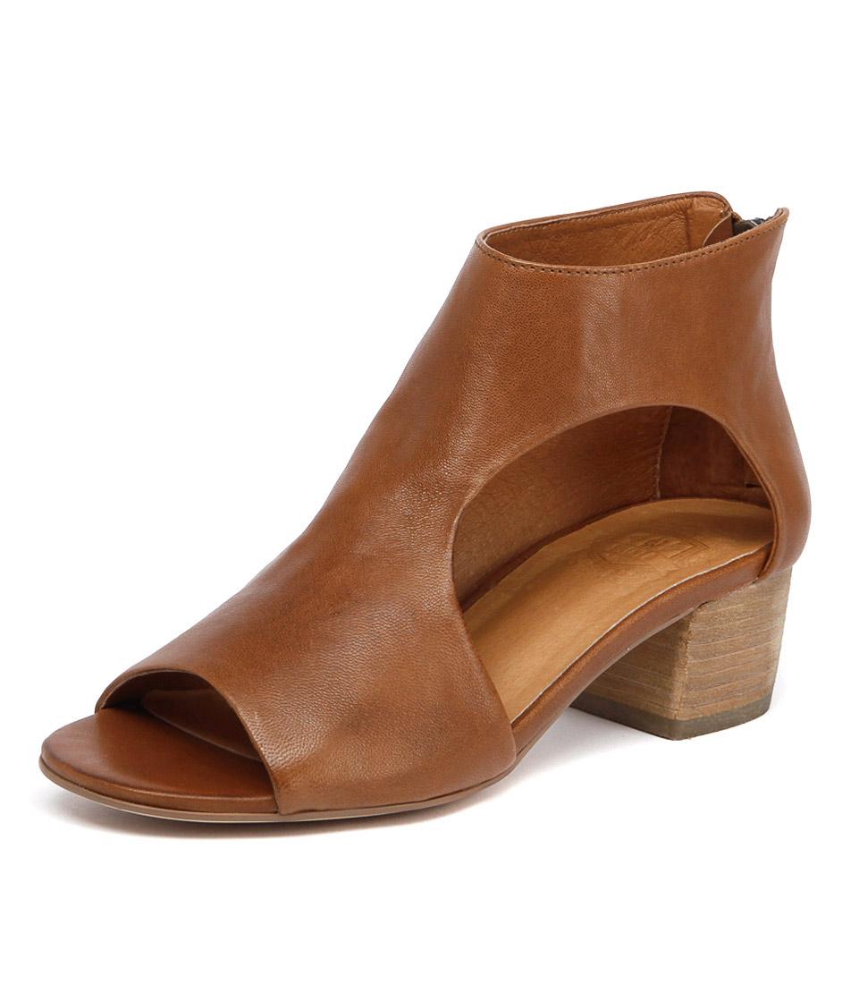 Silent D Exia Dark Tan Sandals