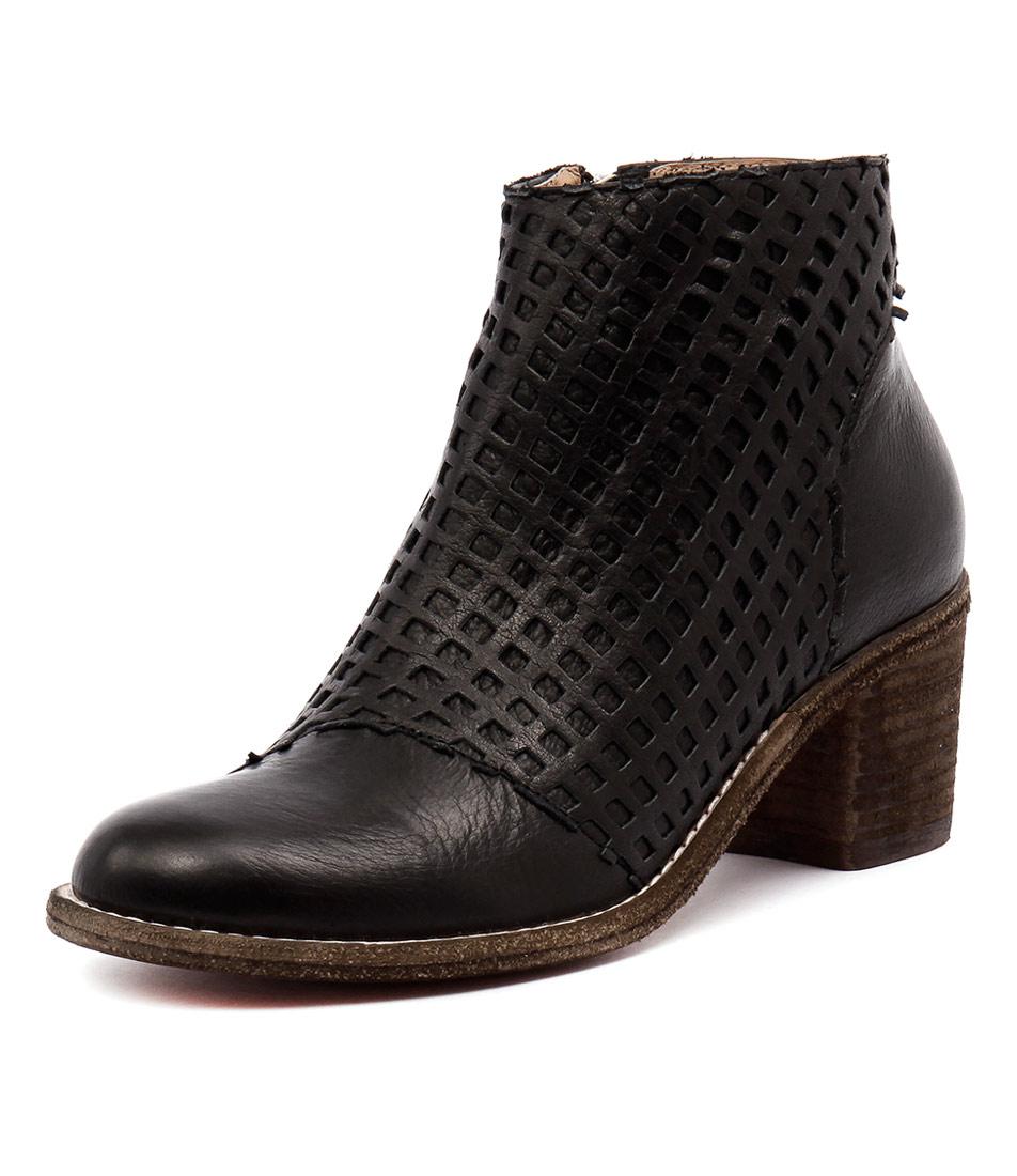 Silent D Fletch Black Leather-Black Lasercut Boots