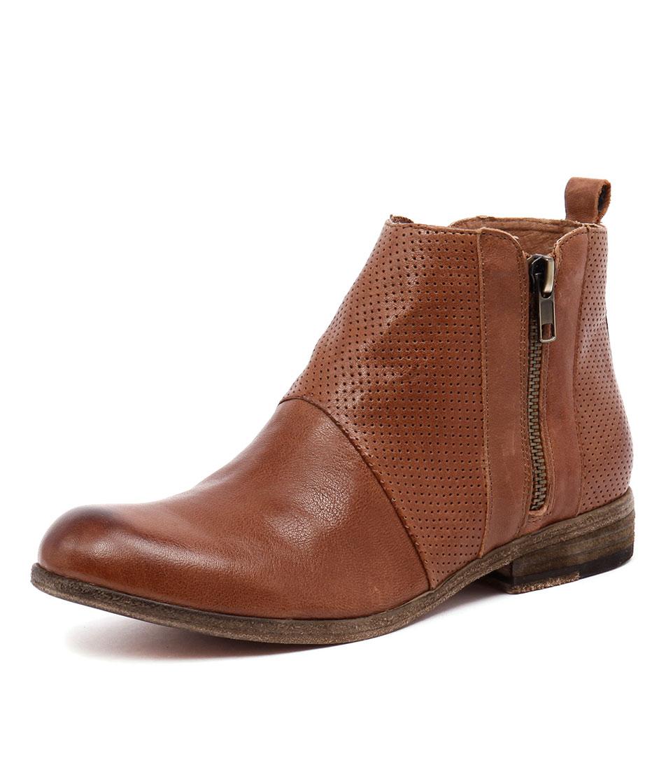 Silent D Leaki Tan Boots
